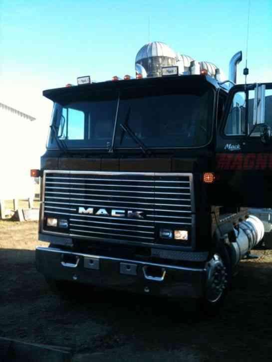 Mack Mh 613 1984 Sleeper Semi Trucks