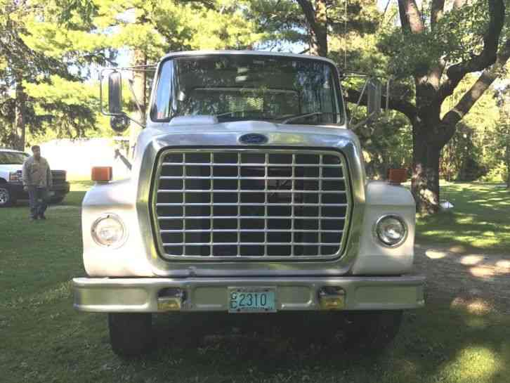 Ford F700  1985    Utility    Service Trucks