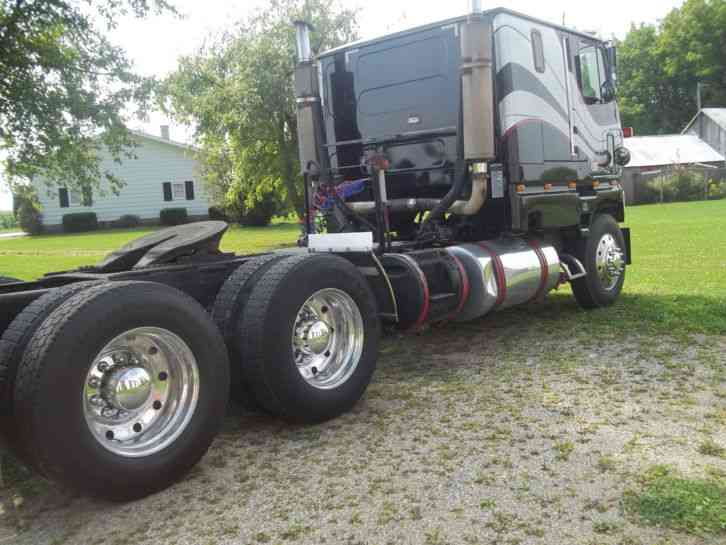 Ford 9000 Cabover Interior : Clt ford cabover truck with sleeper autos post