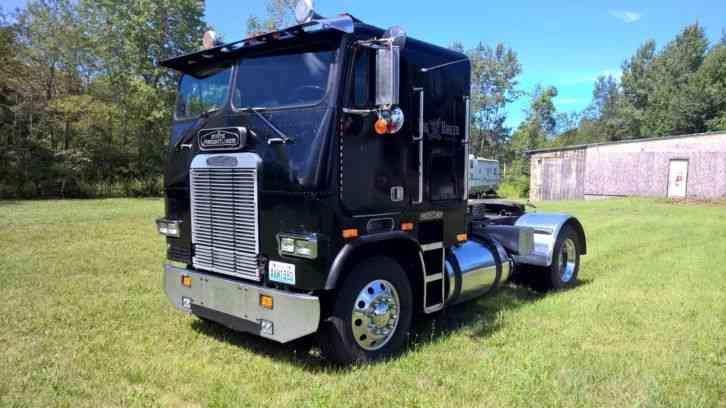 Freightliner Tractor Weight : Freightliner sleeper semi trucks