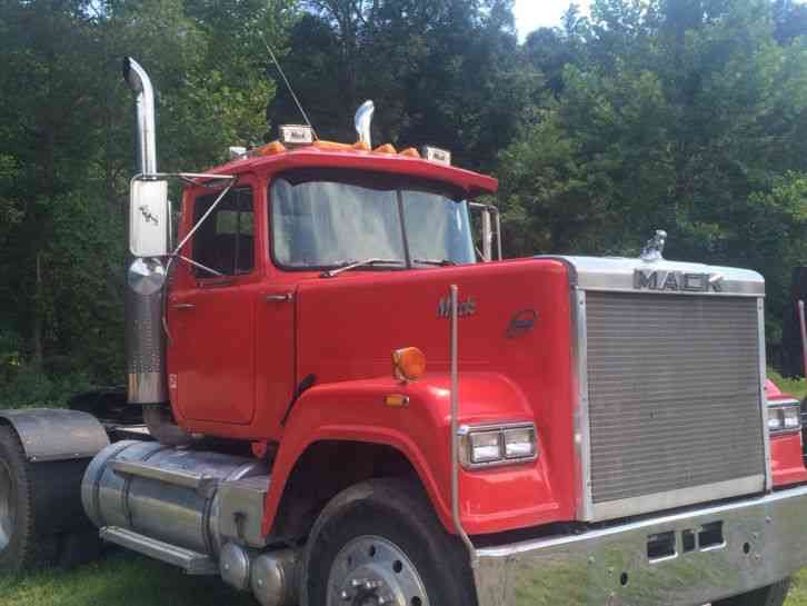 Mack Superliner (1985)