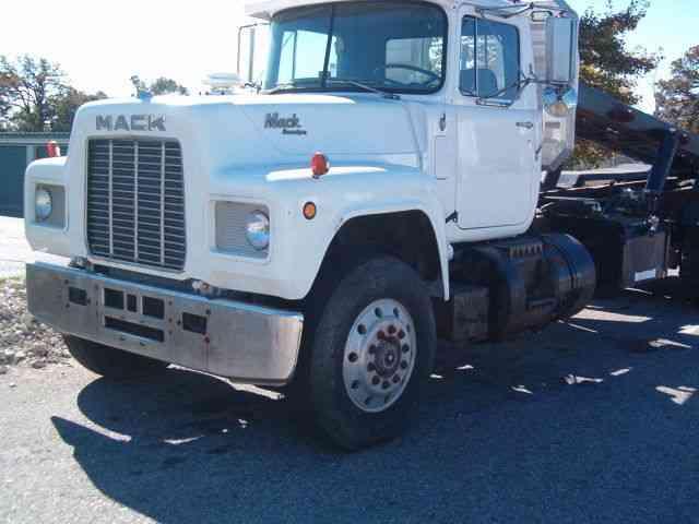 1985 Mack Truck : Mack r heavy duty trucks