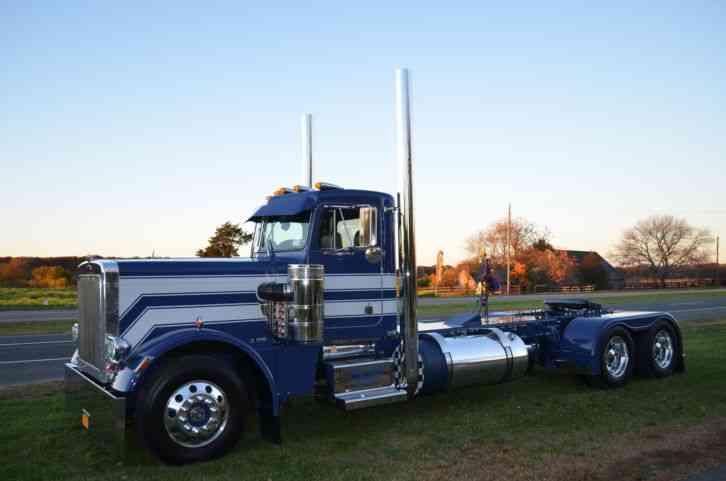 Peterbilt 359 EXHD (1985) : Daycab Semi Trucks