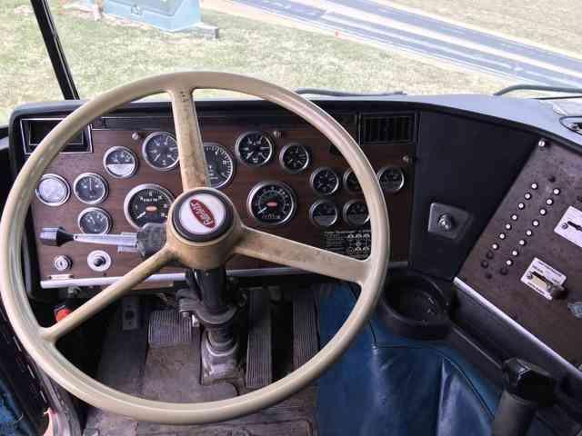 Peterbilt 362 1985 Sleeper Semi Trucks