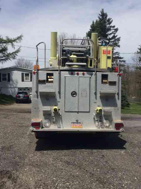 Duplex Ladder Truck  1985    Emergency  U0026 Fire Trucks