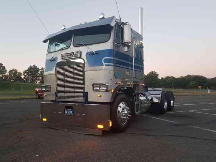 Freightliner FLT (1986) : Sleeper Semi Trucks