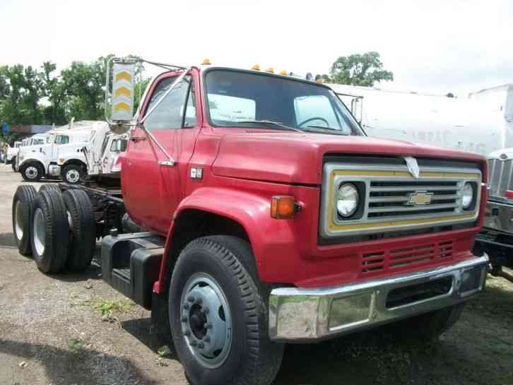 GMC C7500 CRANE/POLE/AUGER TRUCK (1996) : Medium Trucks