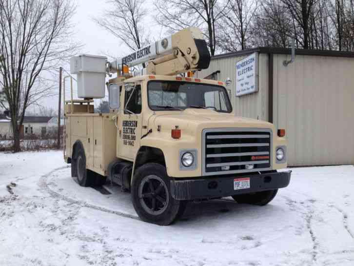 International 7v4 1987 Bucket Boom Trucks
