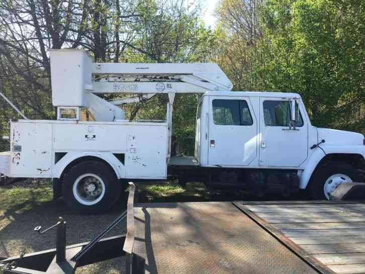 International 7V4 Crew Cab Bucket Truck (1988) & International 7V4 Crew Cab Bucket Truck (1988) : Bucket / Boom Trucks
