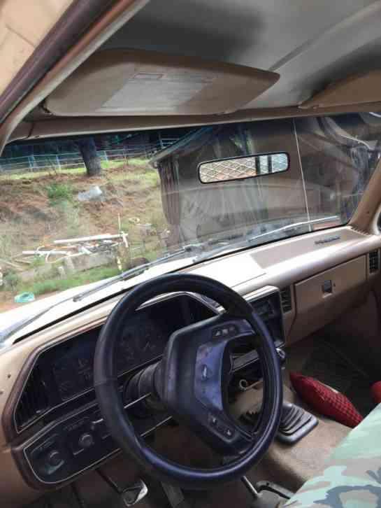 Ford f350 diesel non turbo (1988) : Utility / Service Trucks