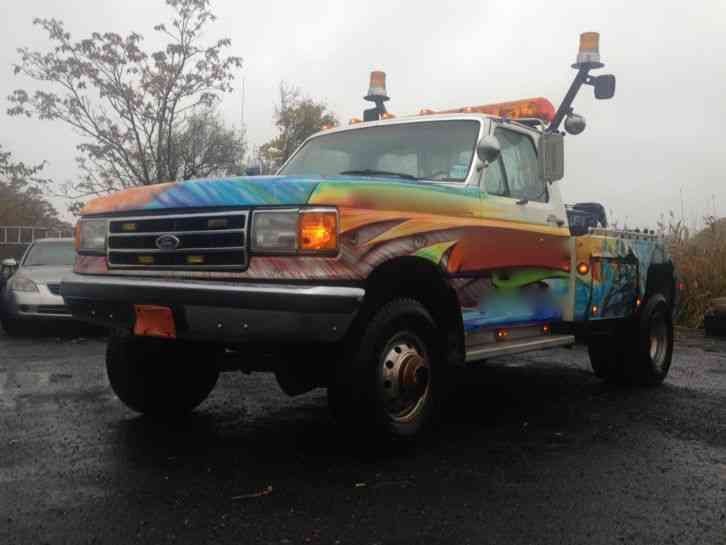 Ford F  X Century Wrecker Tow Truck