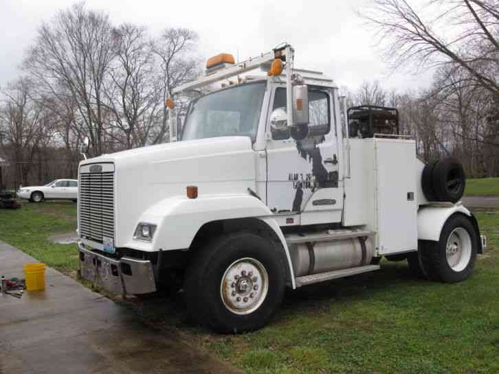 Freightliner (1989) : Heavy Duty Trucks on six-way hitch, mobile home truck, kingsley fisher power hitch, mobile home trailer hitch, mobile home moving totes, mobile home movers, mobile home towing clip art, two-way hydraulic hitch, mobile home axles,