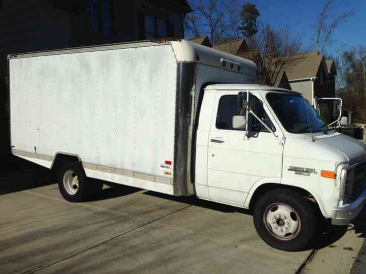 Chevrolet G31 1989 Van Box Trucks