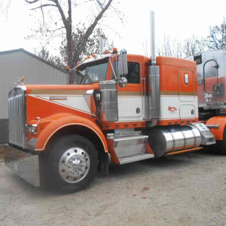 Kenworth W900b 1989 Sleeper Semi Trucks