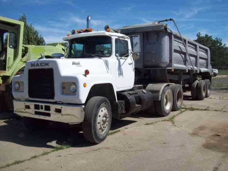 Mack Tractor Truck Air Valve On Firewall : Mack r st daycab semi trucks