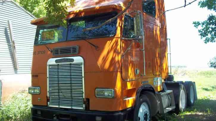 Freightliner Coe Condo 1990 Sleeper Semi Trucks