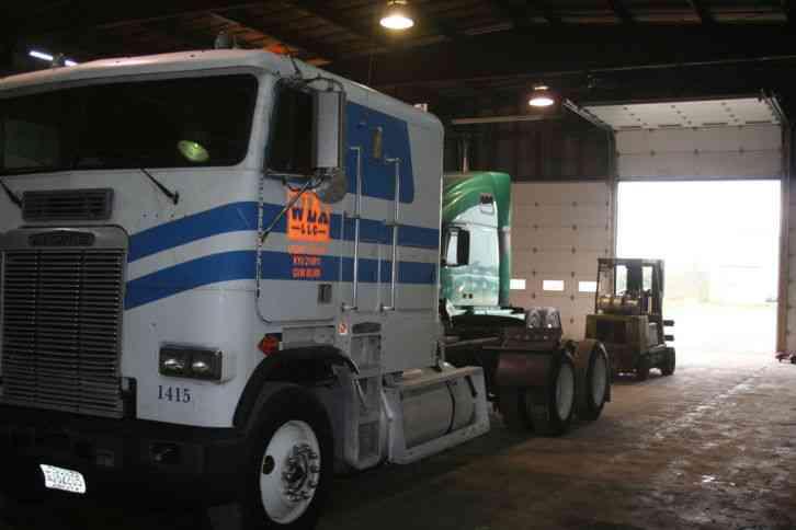 Used Bucket Trucks For Sale >> Freightliner FLA8664T (1990) : Sleeper Semi Trucks