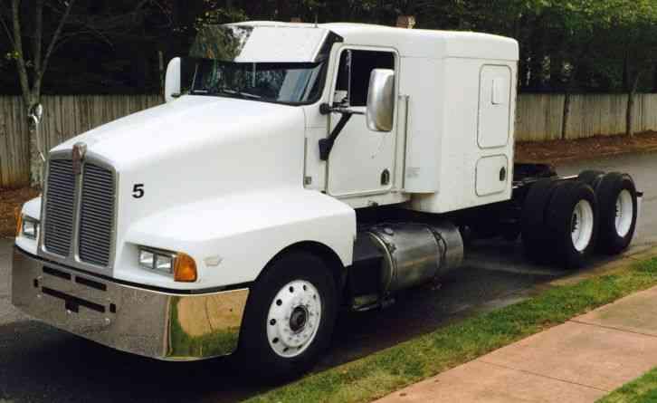 Kenworth T600 1990 Sleeper Semi Trucks
