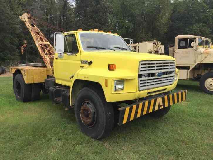 Ford F-700 Tow Truck (1991)