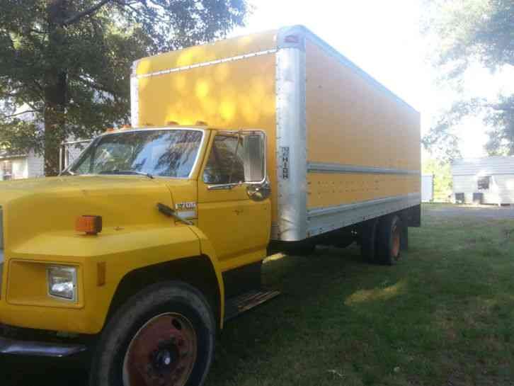 Ford F700 1991 Van Box Trucks
