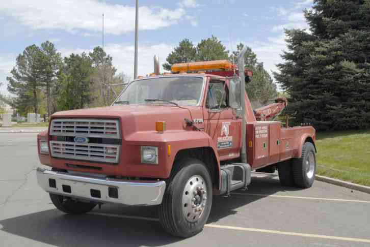Ford F700 Tow Truck Wrecker (1991) : Wreckers