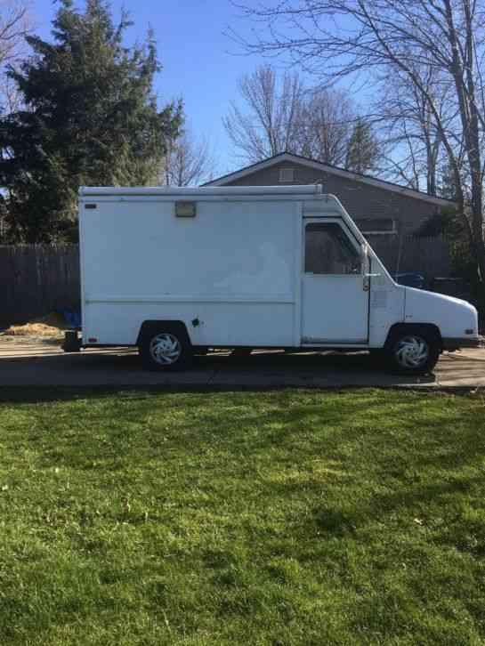 Umc 1991 Van Box Trucks