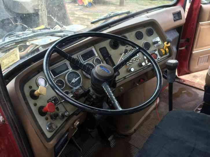 Ford Ltl9000 1992 Daycab Semi Trucks