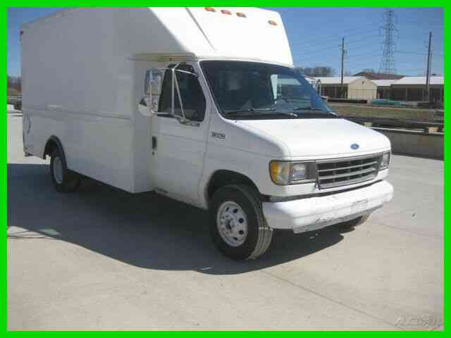 FORD E350 7. 3 DIESEL AUTO WITH 15 FOOT VAN BODY (1993)