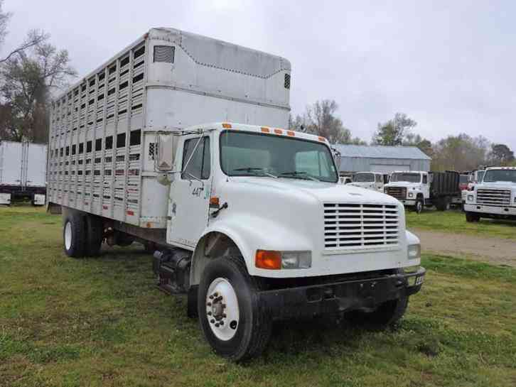 International 4900 Livestock Hauler (1993)
