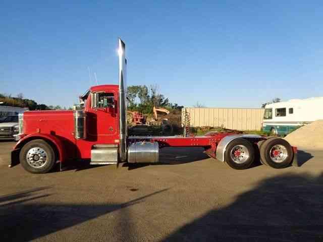 PETERBILT 379 DAYCAB TRUCK (1993) : Daycab Semi Trucks