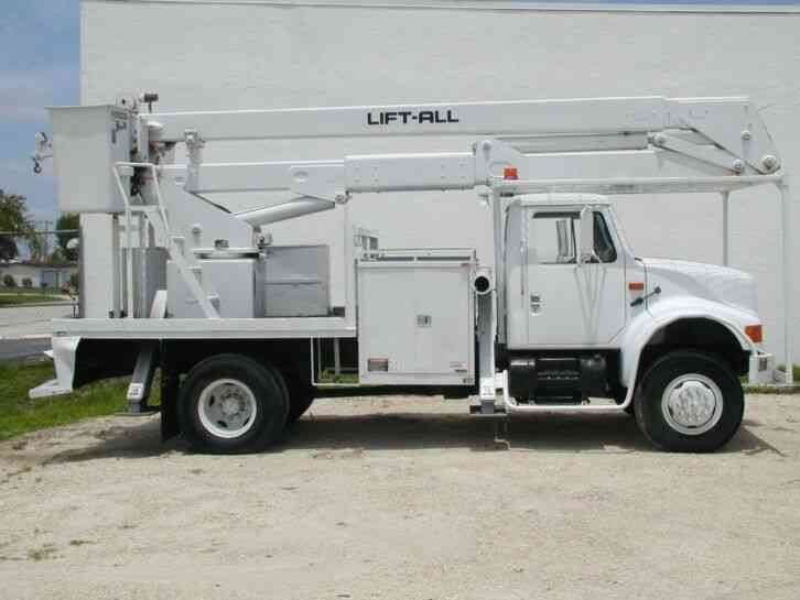 International 4800 Bucket Lift Truck (1994)