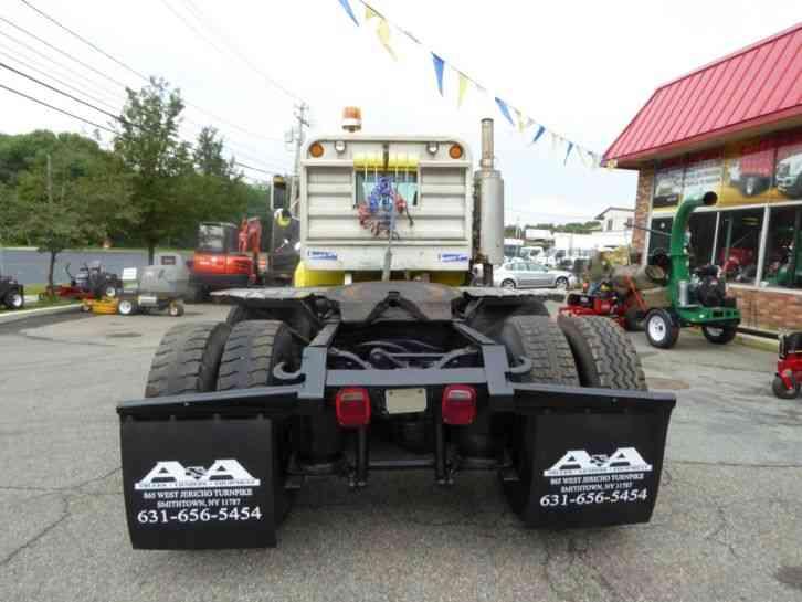 Mack Truck Cat Walk : Mack rd s daycab semi trucks