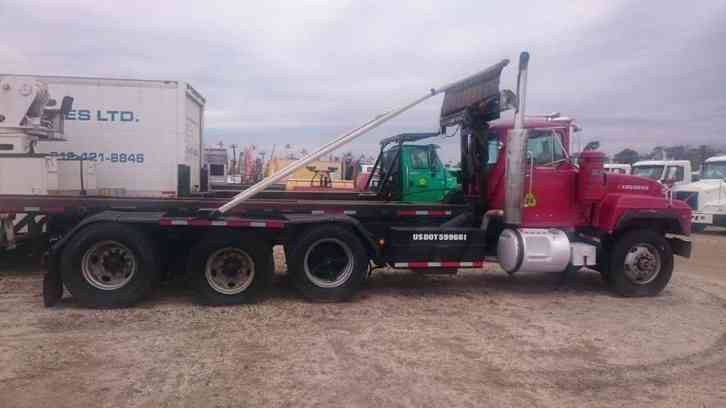Tri Axle Roll Back : Mack rd s heavy duty trucks