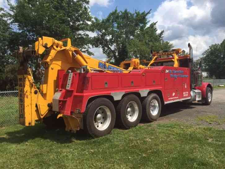 Tri Axle Roll Back : Peterbilt  wreckers