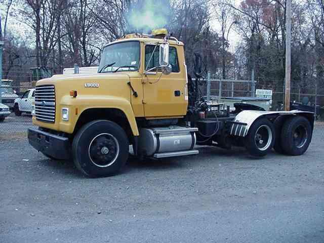 ford l9000 1995 daycab semi trucks rh jingletruck com Ford Aeromax L9000 Ford L9000 Semi