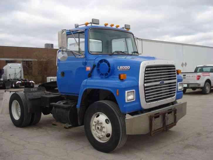 International 8600  2007    Daycab Semi Trucks