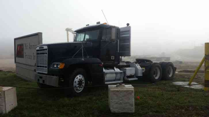 Freightliner 2002 daycab semi trucks for Factor motors le center mn