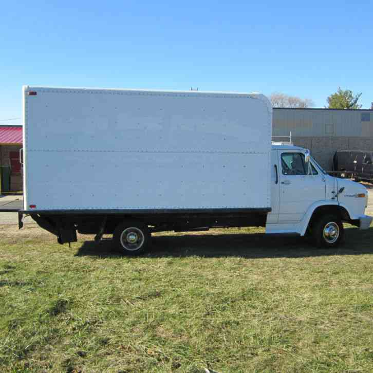 Gmc Trucks Single Cab >> GMC Box Truck (1995) : Van / Box Trucks