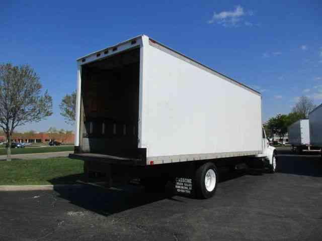 International 4700 1995 Van Box Trucks
