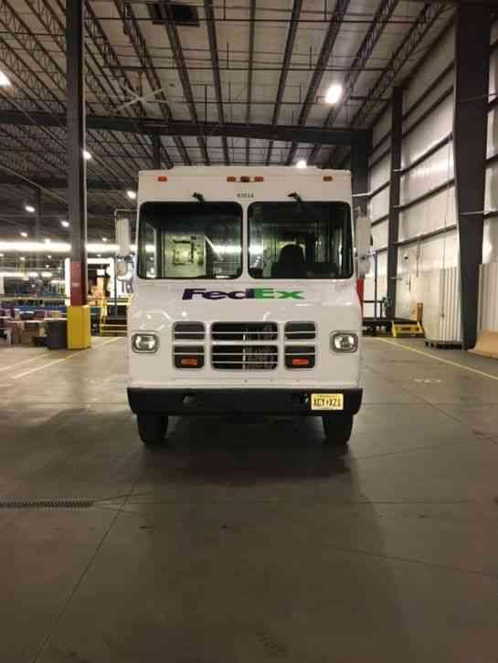 International P1000 1652 1995 Van Box Trucks