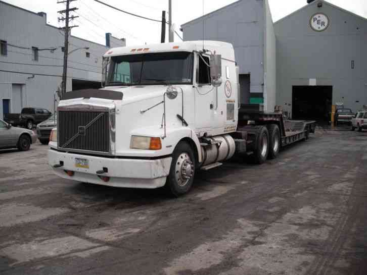 Volvo Integral Sleeper 1995 Sleeper Semi Trucks