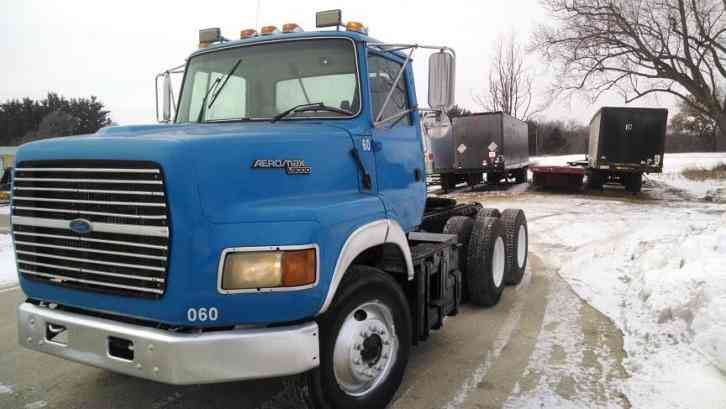 ford l9000  1996    daycab semi trucks