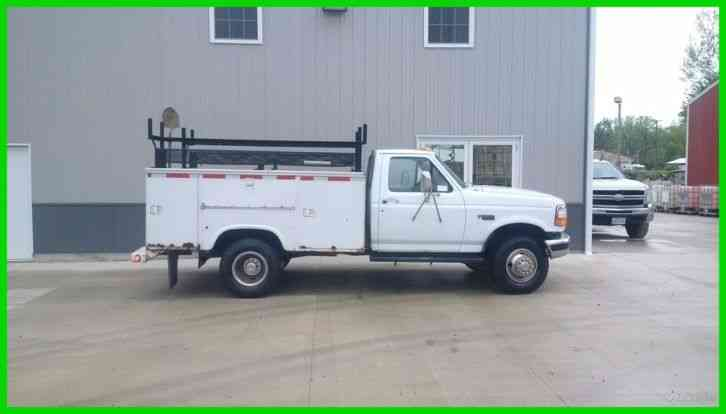 FORD F350 7. 3L POWER STROKE DIESEL 5 SPEED MANUAL 9' UTILITY BED WITH RACK (1997)