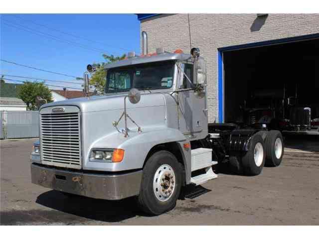 Freightliner Cascadia 2012 Daycab Semi Trucks