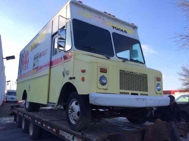 Chevrolet P30 18' Step Van (1991) : Van / Box Trucks