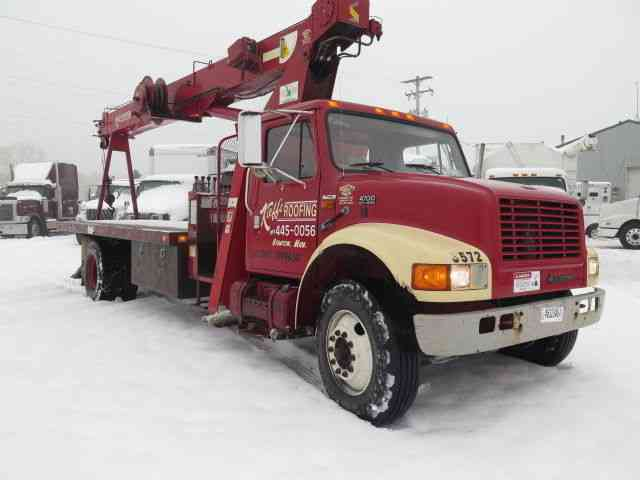 International 4700 (1997) : Bucket / Boom Trucks