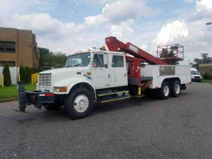 INTERNATIONAL 4900 ELLIOT PLATFORM BUCKET TRUCK (1998)