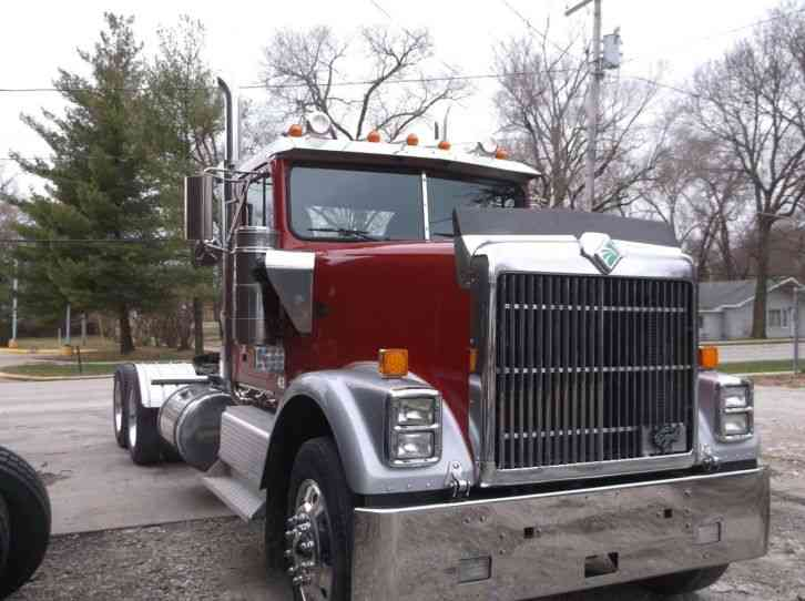 International 9300  1998    Daycab Semi Trucks