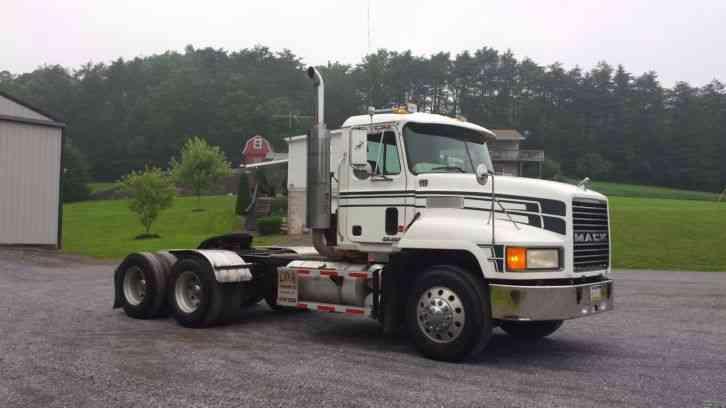 mack ch613  1998    daycab semi trucks