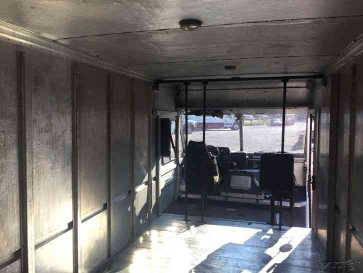 Workhorse P32 Stepvan, V8 GM Gas *Food Truck Candidate* (1998)